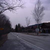 Hohe diese haltestelle hat früher gemessen POLIZEI Weilheim auch mit ESO -bekante Rote VW Transporter