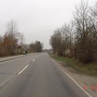 Anfahrt (in Richtung Fockbek): Wie Sie sehen, sehen sie nichts; und das ca. 25m vor der Messstelle. Gruß noch an den netten Quadfahrer links im Bild^^.