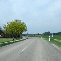 Landstrasse von Gauting aus kommend in Richtung Unterbrunn; erlaubt sind hier nur 70 km/h