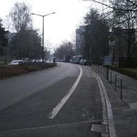 Anfahrtsansicht. Messfahrzeug war Dank weit links parkendem LKW recht spät zu erkennen.