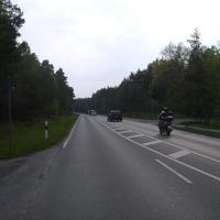 Anfahrtansicht. Wir sind kurz hinter der Kreuzung Wiener Straße, die zum Hafen führt.