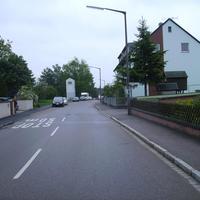 Anfahrtsansicht kurz hinter der Kreuzung Flurstraße.