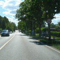 Anfahrt. Auf dem Abschnitt vorher gelten noch 70 km/h.