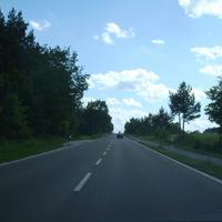 Anfahrtsansicht. In der Haltebucht links steht manchmal auch ein Lasertrupp oder wahlweise der Radarwagen.