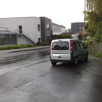 Der Kangoo von der Seite, auf der Rosterstraße wird ein heißer reifen gefahren, deswegen begnet man hier dem Kangoo des öfteren