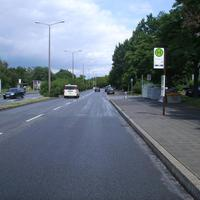 Anfahrtsansicht nach der Kreuzung Fallrohrstraße.