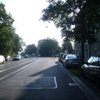 Anfahrtsansicht kurz hinter der Tafelhalle. Rechts mündet die Walzwerkstraße.