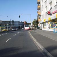 Anfahrtsansicht kurz vor der Einmündung zur Zweibrückener Straße.