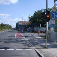 """Anfahrtsansicht in Höhe der Kreuzung """"An der Schwarzlach""""."""