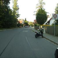 Anfahrtsansicht kurz nach der Kreuzung Koppenhofer Straße.