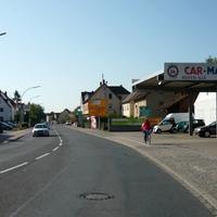 ein weißer VW-Bus ist im Einstazgebeit der Bamberger Verkehrspolizei ja schonmal grundsätzlich verdächtig, wenn dieser dann auch noch entgegen der Fahrtrichtung parkt, ist wirklich Aufmerksamkeit geboten.