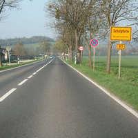 Anfahrtsansicht. Bei dem Streckenabschnitt handelt es sich um einen Unfallschwerpunkt.