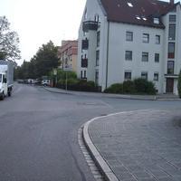 Anfahrtsansicht in Höhe Rotbuchenstraße.