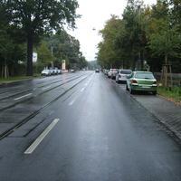 Anfahrtsansicht Höhe Einmündung Sibeliusstraße.