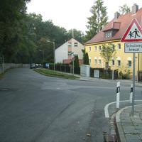 Anfahrtsansicht Höhe Einmündung Seitzstraße.