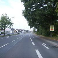 Anfahrtsansicht vor der Kreuzung Eibacher Schulstraße / Heidestraße. Warum hier eine Schulwegüberwachung durchgeführt wird, muss wohl nicht erklärt werden.