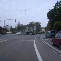 Anfahrtsansicht. Links mündet die Saarbrückener Straße.