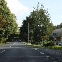 Anfahrtsansicht: Hier zu sehen der Ortsausgang von Ofen (LK Ammerland) in Richtung Oldenburg-Wechloy