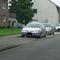 Unter dem VW Zeichen der schwarze Balken ist die Radarantenne
