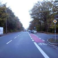 Anfahrtsansicht an der Einmündung zur Esperantostraße.
