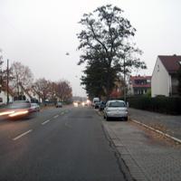 Anfahrtsansicht nach der Kreuzung Bibertstraße. Die Standardmessstelle hinter der Schule liegt bereits hinter uns. Aber auch hier wird von Zeit zu Zeit gerne mal gemessen.