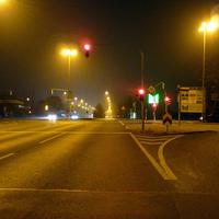 Anfahrtsansicht in Höhe der Kreuzung Wilhelmshavener Straße / Schleswiger Straße. (Nachtmessung)