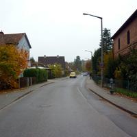 Anfahrtsansicht vor der Einmündung Klingenfeldstraße.