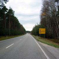 Anfahrtsansicht nach der Ortschaft Brunnau.