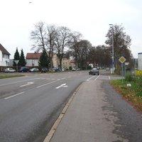Anfahrt von Ebersbach kommend. Hier wird regelmäßig gemessen, der Straßenzustand (ehem. B10) läßt schnellere Tempos problemlos zu. Als ich die Messung sah, wurde gerade der Aufbau abgeschlossen.