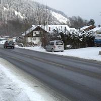 Wieder mal die ZKVS Oberland  auf Kundenfang. Hier Richtung Ortsausgang zur A 95.