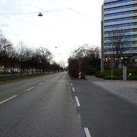 Anfahrtsansicht in Höhe der Zentrale der  Bundesagentur für Arbeit nach der Kreuzung Scharrerstraße.