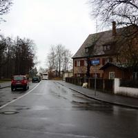 Anfahrtsansicht. Von rechts kommt der Verkehr aus der Heidstraße in der auch gerne gemessen wird.