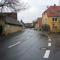 Rechts gehts in die Erlanger Straße, die laut Blitzer.de auch ein häufiger Messstandort sein soll, was aber nicht der Fall ist...