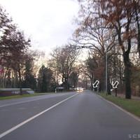Anfahrtsansicht: Kurz vor dem Ortsausgang Oldenburg stand das Ordnungsamt in Höhe des Baumarkts.