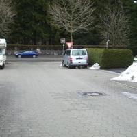 Meßbus der ZKVS Oberland steht in der Seitenstraße (Alpenstraße)