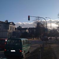 Hier die Anfahrtsansicht von der Falkenstrasse aus kommend. Links ab gehts in die Moltkestraße.