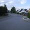 Anfahrtsansicht Höhe Augraben. Vor uns liegt die Kreuzung Am Bauernfeld / Börnestraße.