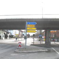 Rotlicht-Ampel-Blitzer in der Rateburger Allee stadtauswärts steht unter der St. Jürgen-Brücke