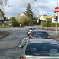 hier die Anfahrtsrichtung von Lübow aus kommend. Links gehts nach Schwerin, rechts nach Wismar.