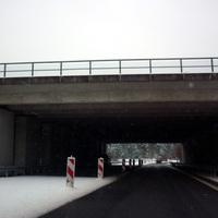 Im Dunkeln unter der Brücke lässt sich das Messfahrzeug erkennen. Hier wurde man dann auch gleich rausgezogen.