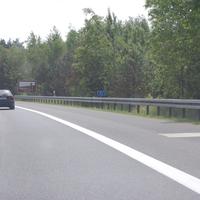 Polizei Brandenburg misst sehr häufig kurz vor der Landesgrenze Berlins. Trichter 100-80 und sofort das Messgerät.