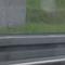 Messstelle etwa einen Kilometer hinter der Abfahrt Neuruppin-Süd Rtg. Berlin. Der Sensor ist unmittelbar hinter der Leitplanke aufgebaut. Danach folgen Blitz und Kamera für das Foto durch die Seitenscheibe.