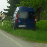 """Der dunkelblaue Kastenwagen """"FIAT Doblo"""" mit LEIVTEC XV 2 und Sony-Videoaufzeichnungsgerät. Es blitzt nichts. Also Vorsicht wenn ein """"blauer Kastenwagen"""" mit dem Kennzeichen RZ-RZ 244 zu sehen ist !!!"""