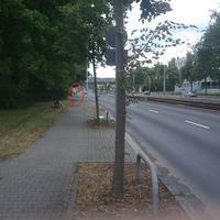 Leider nur mit der Handykamera fotografiert. Die Polizei Chemnitz lasert Fahrzeuge ins Stadtzentrum.