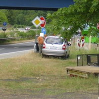 und BLITZ wenn zu schnell. Der silberne Opel Zafira mit dem Wechselkennzeichen-z.Zt. mit RZ-H 627 on Tour