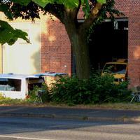 Messbus in der Parallelstrasse, Kamera und Blitz schön im Auge behalten ...
