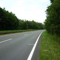 Der Messbus stand in einem parallelverlaufenden Waldweg. Der Tagessieger war mit über 160 km/h unterwegs, in den Anzeigenbereich schafften es insgesamt 16 Fahrzeugführer.
