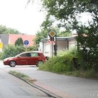 Kamera + Zusatzblitz in Richtung der Friedrichsfehner Ortsmitte