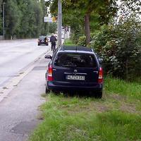 Heute mal der Astra Caravan HL-ZX 183 im Knick...