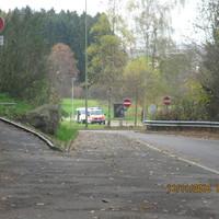Polizeikontrolle auf der Forchstrasse zwischen Zollikerberg und Zumikon in Fahrtrichtung Zumikon.